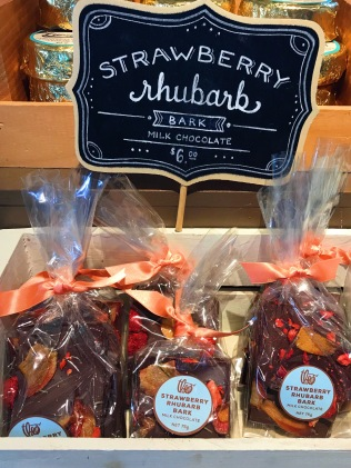 THEO: Strawberry Rhubarb Bark