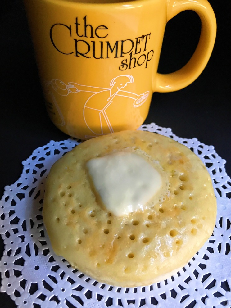 The Crumpet Shop: The Leona buttered crumpet with house made chai using fresh organic ginger
